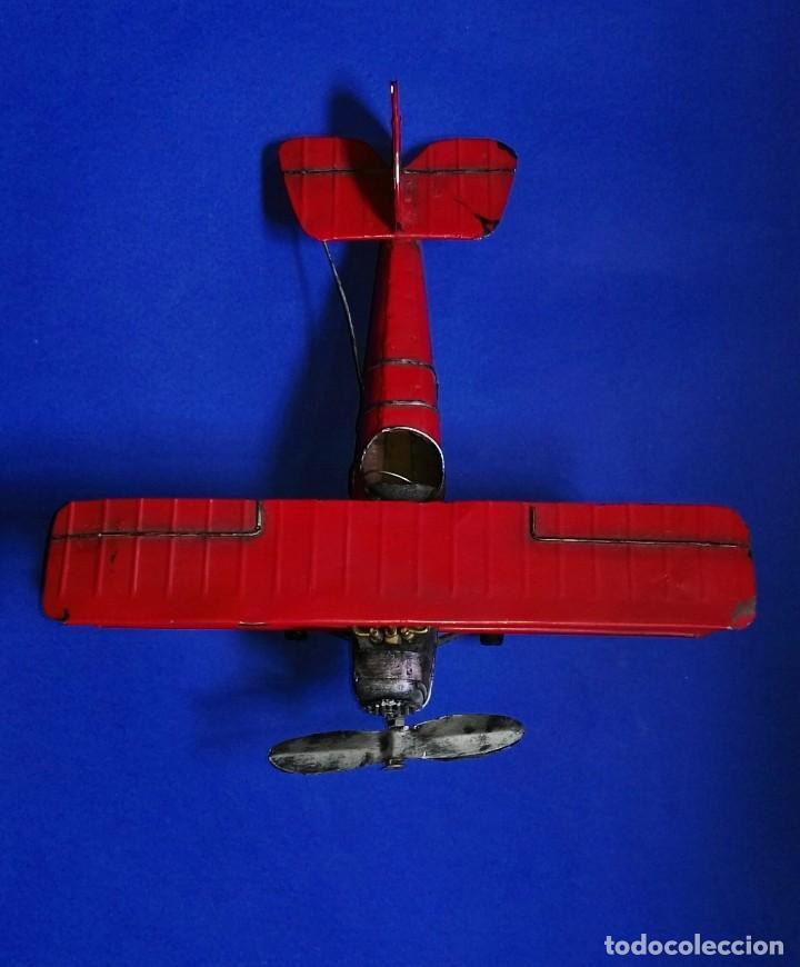 Juguetes antiguos de hojalata: VINTAGE BIPLANO MONOPLAZA DE HOJALATA 32 X 30 CM. - Foto 8 - 238459900