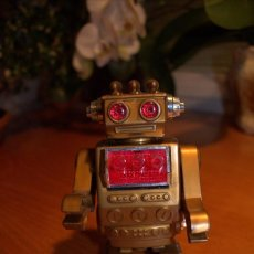 Juguetes antiguos de hojalata: ROBOT. Lote 75586991