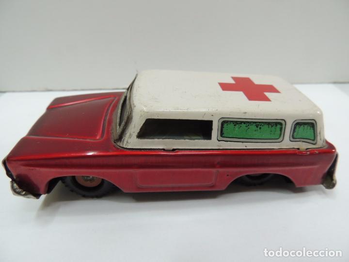 Subasta Ambulancia Vendido Estilo En Antiguo Hojal Coche Americano PkXuZi