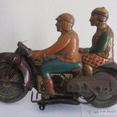 Juguetes antiguos de hojalata: MOTO RICO DE HOJALATA AÑOS 30-ESCUCHO OFERTAS. Lote 76971229