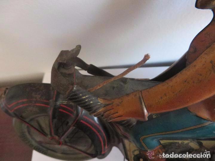 Juguetes antiguos de hojalata: MOTO RICO DE HOJALATA AÑOS 30-UNICA EN TODO COLECCION- - Foto 9 - 76971229