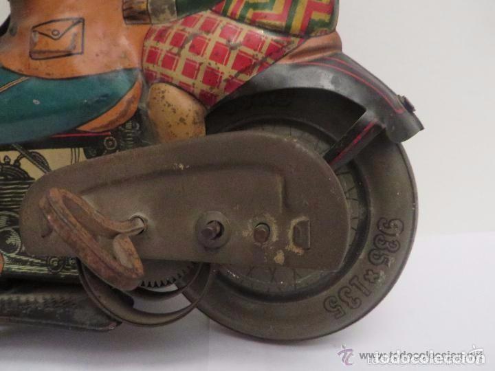 Juguetes antiguos de hojalata: MOTO RICO DE HOJALATA AÑOS 30-UNICA EN TODO COLECCION- - Foto 10 - 76971229