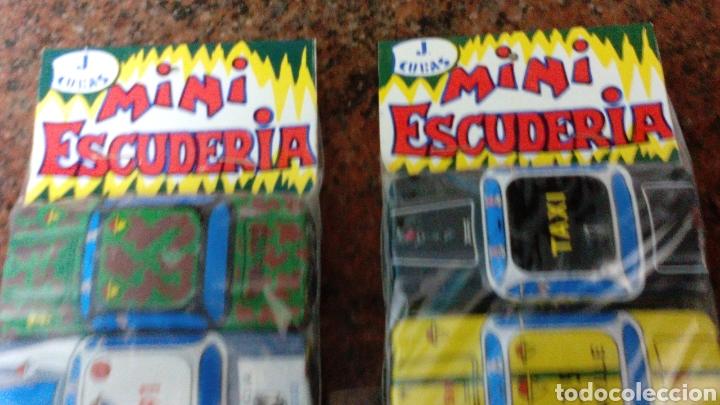 Juguetes antiguos de hojalata: 2 BLISTER COCHES DE HOJALATA-MINI ESCUDERIA-J.CUBAS - 8X4X1,5 cm (mas 5 euros envio)AÑOS 70/80 - Foto 2 - 104259288
