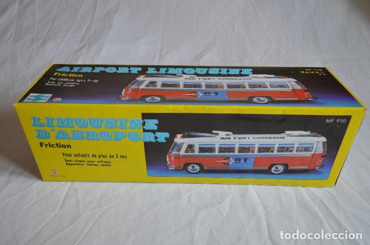 Juguetes antiguos de hojalata: Antiguo autobús Airport limousine MF 910. A fricción. romanjuguetesymas. - Foto 2 - 78142565