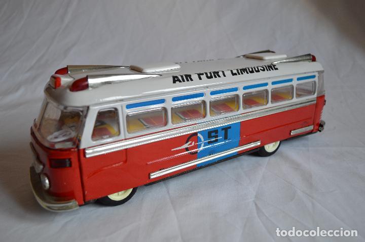 ANTIGUO AUTOBÚS AIRPORT LIMOUSINE MF 910. A FRICCIÓN. ROMANJUGUETESYMAS. (Juguetes - Juguetes Antiguos de Hojalata Extranjeros)