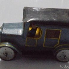 Juguetes antiguos de hojalata: ANTIGUO COCHE DE LATA. 12 X 7CM. VER FOTOS. Lote 80177357