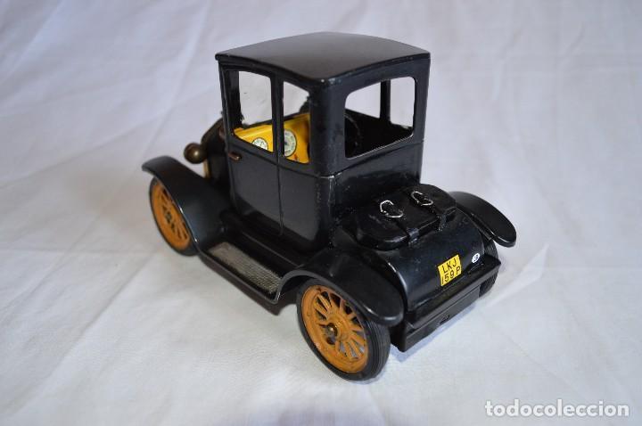 Juguetes antiguos de hojalata: Antiguo coche metálico Ford coupé Consul Oldtimer. Schuco. Alemania. romanjuguetesymas. - Foto 3 - 80318053