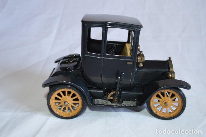 Juguetes antiguos de hojalata: Antiguo coche metálico Ford coupé Consul Oldtimer. Schuco. Alemania. romanjuguetesymas. - Foto 4 - 80318053