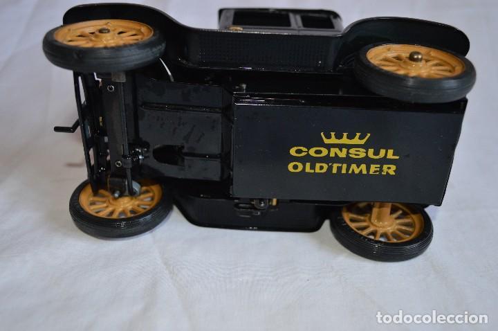 Juguetes antiguos de hojalata: Antiguo coche metálico Ford coupé Consul Oldtimer. Schuco. Alemania. romanjuguetesymas. - Foto 8 - 80318053