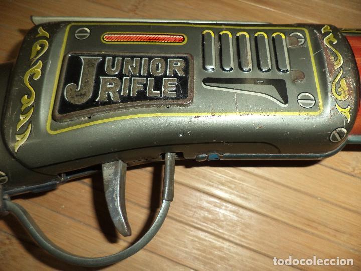 Juguetes antiguos de hojalata: Junior Rifle.Carabina de hojalata made in Japan años 60.T N.Nomura.M.B.E. - Foto 7 - 81727796