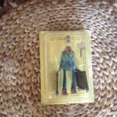Juguetes antiguos de hojalata: MALETERO DE PAYA . Lote 83522168