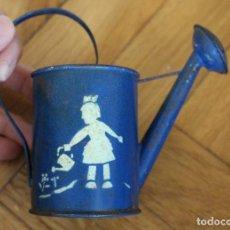 Giocattoli antichi di latta: REGADERA DE JUGUETE DE HOJALATA. Lote 84611688