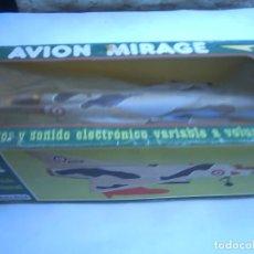 Juguetes antiguos de hojalata: AVION MIRAGE SANCHIS - A PILAS,FRICCION-FUNCIONA. Lote 117137256