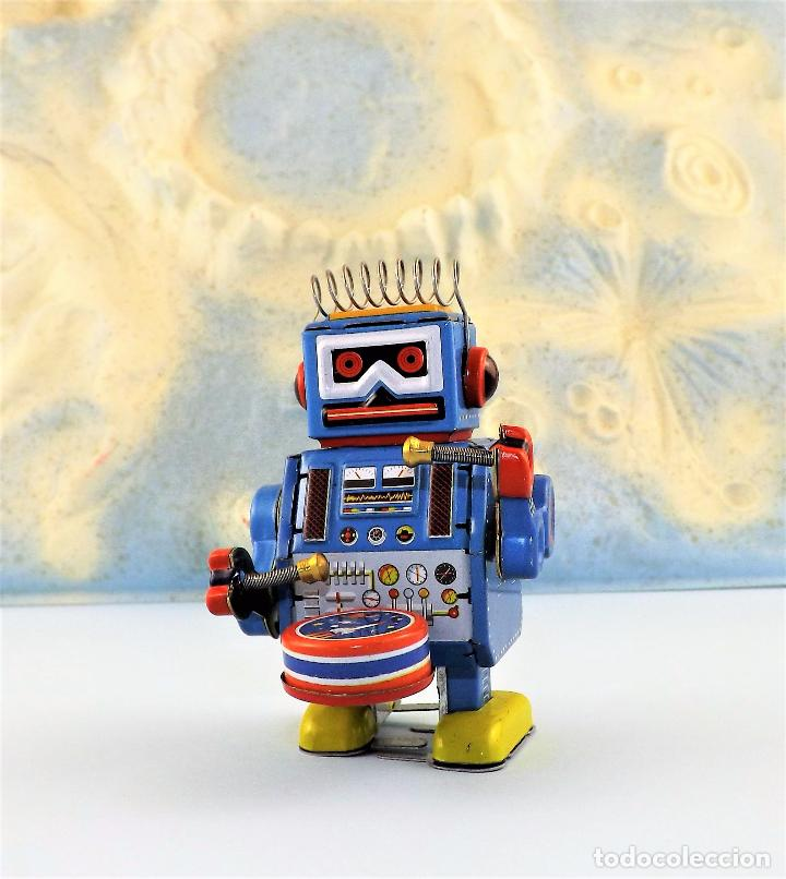 ROBOT A CUERDA TAMBOR (Juguetes - Juguetes de Hojalata: Reproducciones y Actuales )