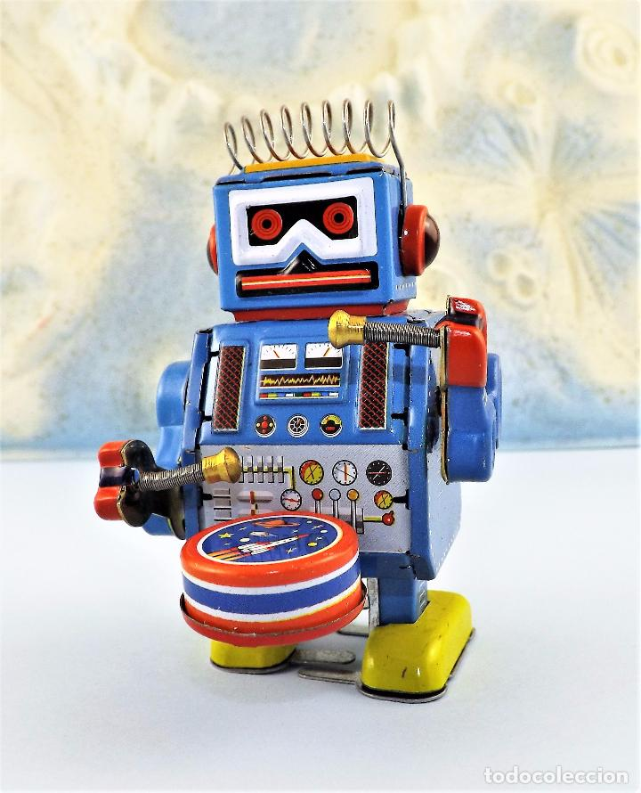 Juguetes antiguos de hojalata: Robot a cuerda Tambor - Foto 2 - 86095120