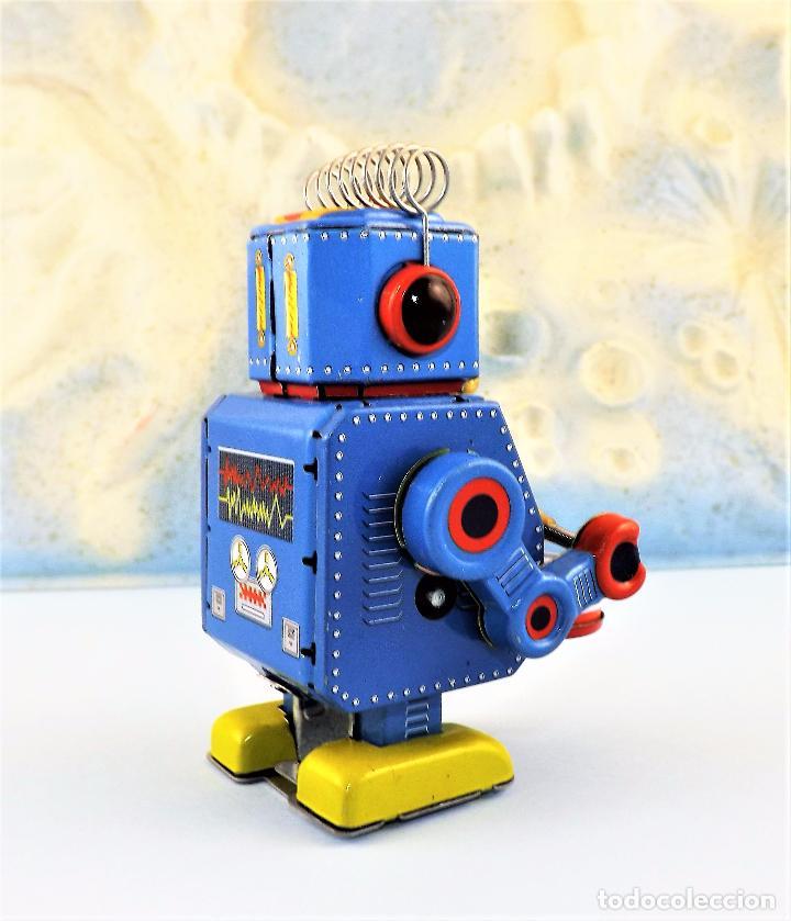 Juguetes antiguos de hojalata: Robot a cuerda Tambor - Foto 4 - 86095120