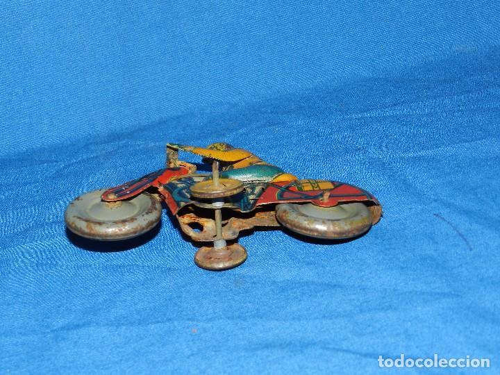 Juguetes antiguos de hojalata: (M) MOTOCICLETA DE HOJALATA PAYA O RICO ??? ANTIGUA ( NO REPRODUCCION ) , 12 X 9 CM - Foto 3 - 86131520