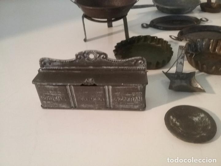Juguetes antiguos de hojalata: ANTIGUOS CACHARRITOS DE METAL HOJALATA PARA COCINAS Ó COCINITAS - Foto 3 - 87075828