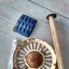 Juguetes antiguos de hojalata: LOTE 3 PIEZAS DE COCHE ANTIGUO,HOJALATA,DE JUGUETE,IDEAL RESTAURADORES, VER. Lote 87367423
