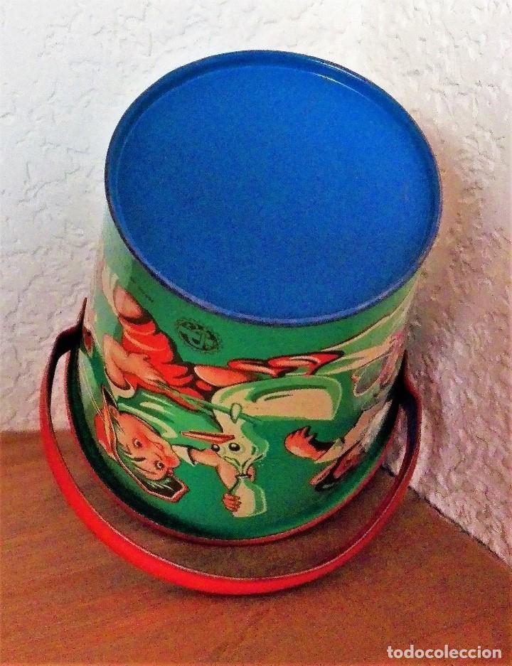 Juguetes antiguos de hojalata: Antiguo cubo de hojalata litografiada sin estrenar Made in Western Germany - Foto 8 - 88802888
