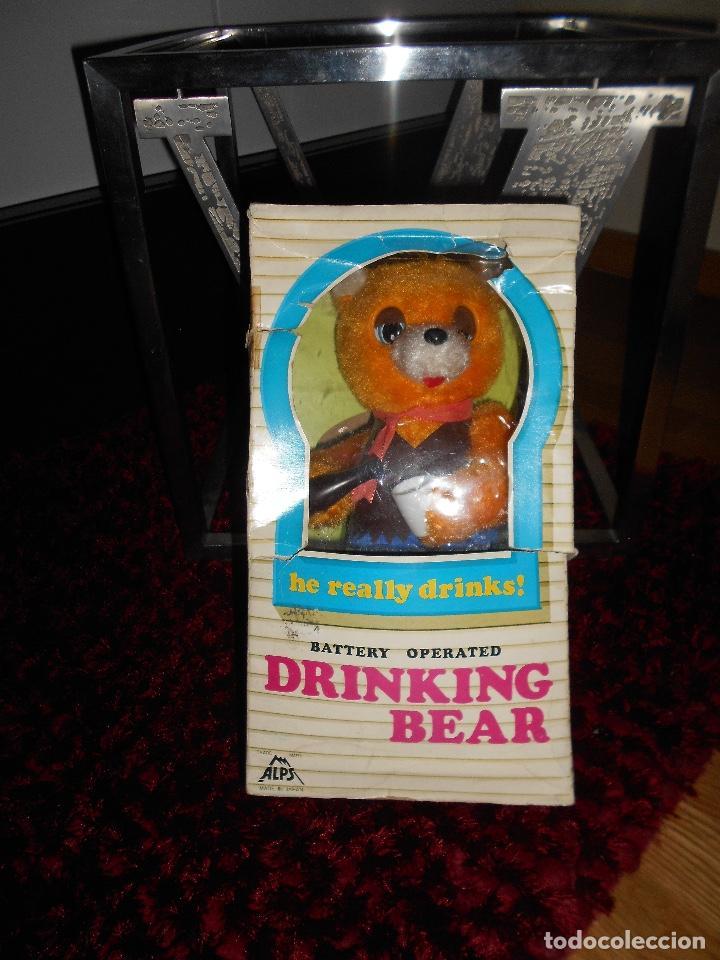 ALPS OSO ALPS JAPAN VINTAGE ALPS BATTERY COUNTRY DRINKING BEAR ON BARREL TOY AÑOS 60 70 CAJA (Juguetes - Juguetes Antiguos de Hojalata Extranjeros)