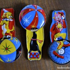 Juguetes antiguos de hojalata: LOTE DE 3 SILBATOS LITOGRAFIADOS HOJALATA * MADE IN JAPAN * PERRO * FOCA * PAYASO * JAPON. Lote 94156300
