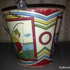 Juguetes antiguos de hojalata: CUBO DE CHAPA AÑOS 30 ORIGINAL,PERTENECIENTE A JUGUETERIA. Lote 95878642
