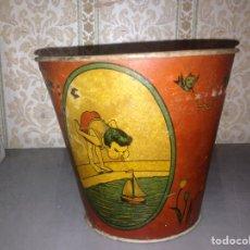 Juguetes antiguos de hojalata: CUBO DE CHAPA AÑOS 30 ORIGINAL,PERTENECIENTE A JUGUETERIA. Lote 95878722