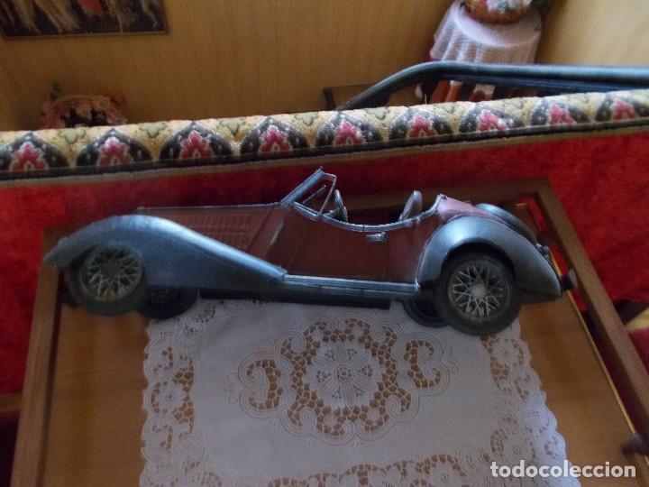 Juguetes antiguos de hojalata: Antiguo coche de hojalata mide sobre45 cent - Foto 3 - 95890503