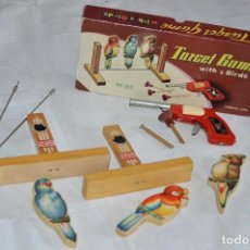 Juguetes antiguos de hojalata: ANTIGUO JUGUETE DE HOJALTA - TARGET CAME WITH 3 BIRDS - AÑOS 70 - VINTAGE - ESCUCHO OFERTAS. Lote 98849063