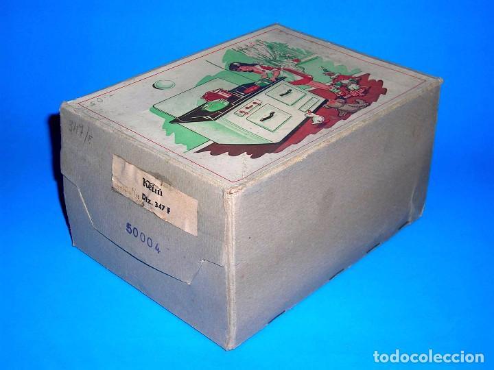 Juguetes antiguos de hojalata: Antigua cocina fabricada en lata, Keim made in Germany tipo Paya Rico, original años 40-50. Con caja - Foto 2 - 99802767