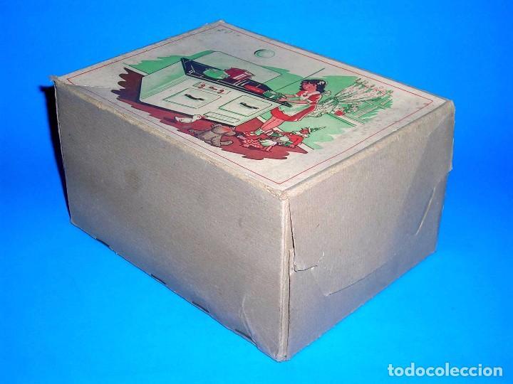 Juguetes antiguos de hojalata: Antigua cocina fabricada en lata, Keim made in Germany tipo Paya Rico, original años 40-50. Con caja - Foto 4 - 99802767