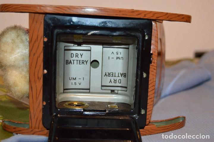 Juguetes antiguos de hojalata: Antigua autómata - Modern Toys Battery Operated Father Bear - Años 50 JAPAN - ¡Mira fotos! - Foto 13 - 100325607