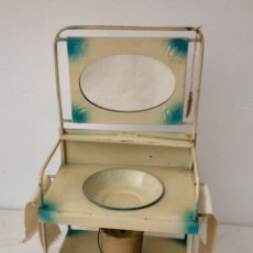 Juguetes antiguos de hojalata - Lavabo de juguete de hojalata pintado, con espejo, cubo y toallas. Principios Siglo XX - 101613515