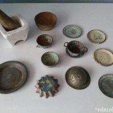 Juguetes antiguos de hojalata - ANTIGUO LOTE DE PLATOS, TAZAS Y DIVERSAS PIEZAS EN HOJALATA Y MAS - 104092255