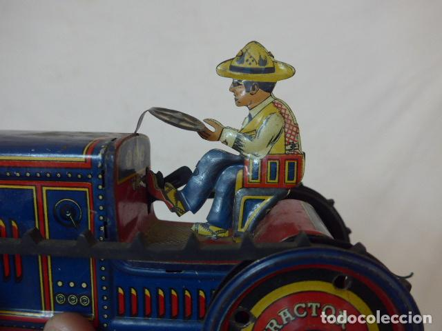 Juguetes antiguos de hojalata: Antiguo tractor de hojalata original de Paya. No es de Rico ni schuco. - Foto 5 - 104217379