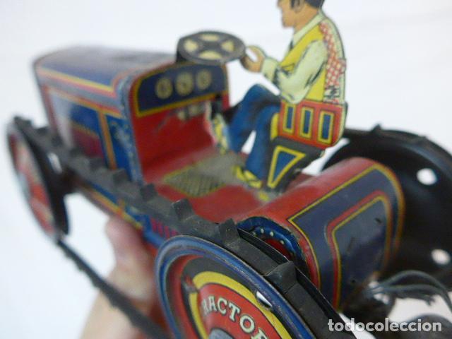 Juguetes antiguos de hojalata: Antiguo tractor de hojalata original de Paya. No es de Rico ni schuco. - Foto 7 - 104217379
