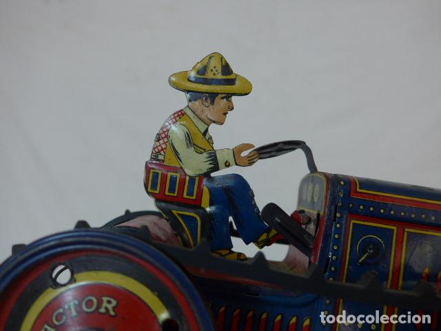 Juguetes antiguos de hojalata: Antiguo tractor de hojalata original de Paya. No es de Rico ni schuco. - Foto 16 - 104217379