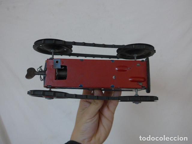 Juguetes antiguos de hojalata: Antiguo tractor de hojalata original de Paya. No es de Rico ni schuco. - Foto 18 - 104217379