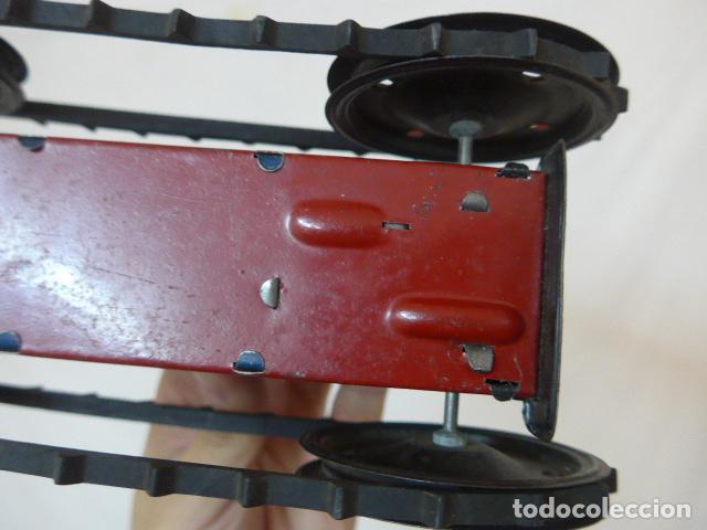 Juguetes antiguos de hojalata: Antiguo tractor de hojalata original de Paya. No es de Rico ni schuco. - Foto 19 - 104217379