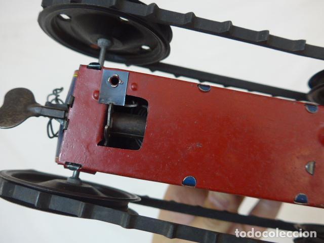 Juguetes antiguos de hojalata: Antiguo tractor de hojalata original de Paya. No es de Rico ni schuco. - Foto 20 - 104217379