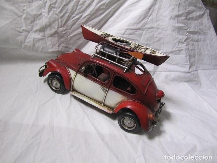 Juguetes antiguos de hojalata: Coche de hojalata Volkswagen escarabajo 31 centímetros de largo - Foto 2 - 104475015