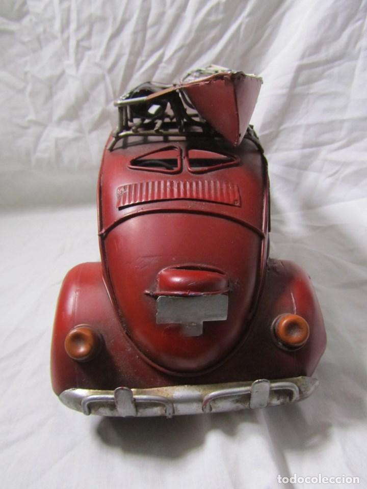 Juguetes antiguos de hojalata: Coche de hojalata Volkswagen escarabajo 31 centímetros de largo - Foto 10 - 104475015