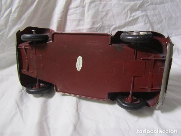 Juguetes antiguos de hojalata: Coche de hojalata Volkswagen escarabajo 31 centímetros de largo - Foto 12 - 104475015