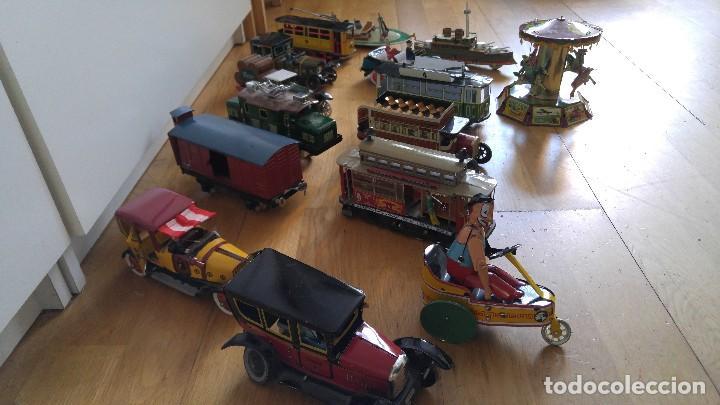 Juguetes antiguos de hojalata: Lote 25 juguetes lata - Foto 2 - 104742299