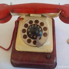 Juguetes antiguos de hojalata: TELEFONO DE JUGUETE ANTIGUO DE HOJALATA A CUERDA, CON SONIDO. Lote 105944407