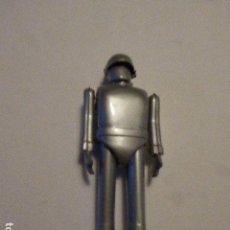 Juguetes antiguos de hojalata: ROBOT GORT DE ULTIMATUM A LA TIERRA DE METAL- ROCKET USA, 2001. 22 CM ALTO.. Lote 111614291