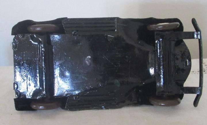 Juguetes antiguos de hojalata: Antiguo coche en lata, de arrastre - Foto 7 - 112090823