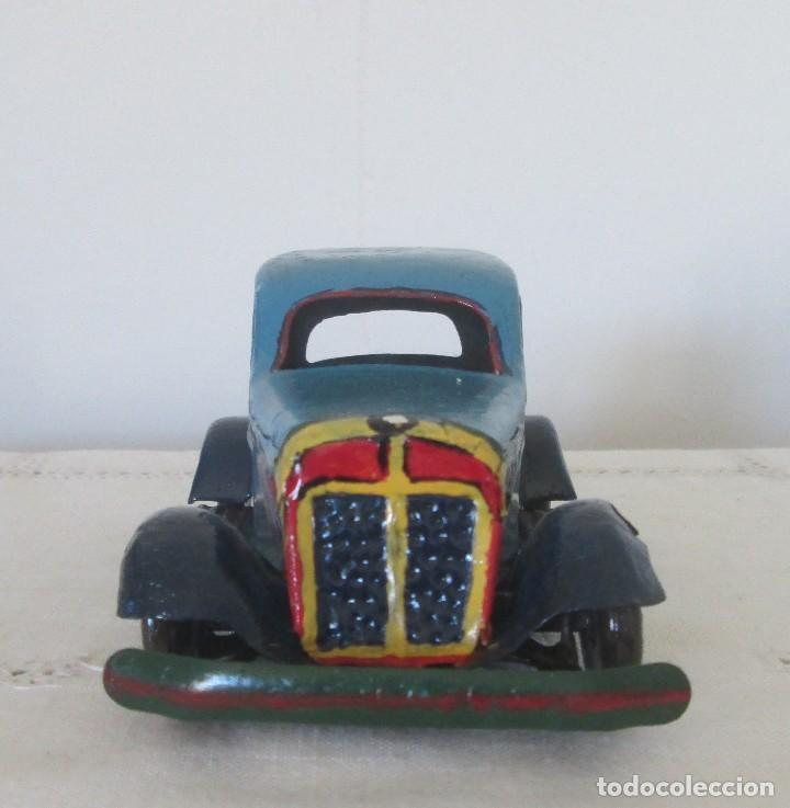 Juguetes antiguos de hojalata: Antiguo coche en lata, de arrastre - Foto 2 - 112090823