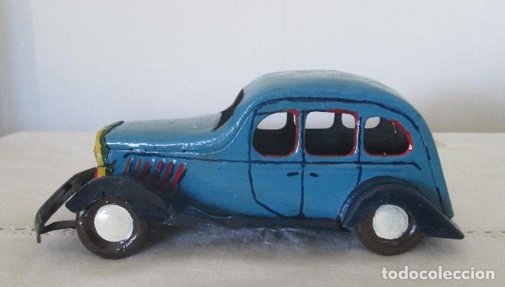 Juguetes antiguos de hojalata: Antiguo coche en lata, de arrastre - Foto 4 - 112090823